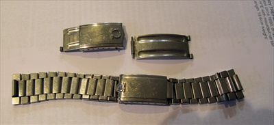 Lot 323 - A rare mid-20th century stainless steel wrist watch, Omega