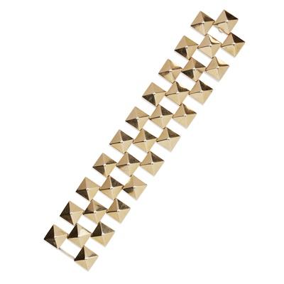 Lot 31-A gold studded bracelet
