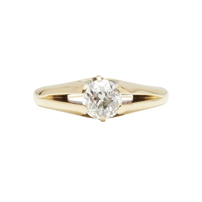 Lot 10-A single stone diamond ring