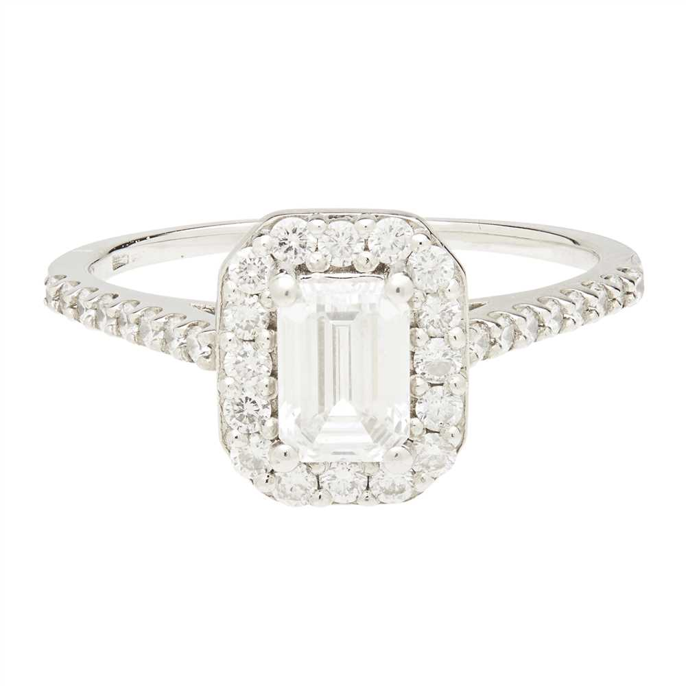 Lot 16-A diamond set cluster ring
