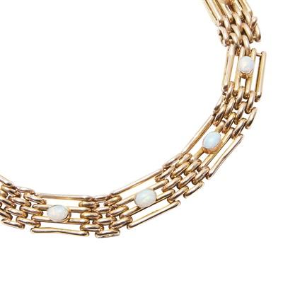 Lot 30-An opal set bracelet