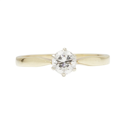Lot 4-A single stone diamond set ring