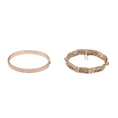 Lot 29-An amethyst set bracelet