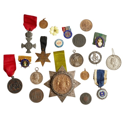 Lot 196 - An Ancient Order of Foresters presentation medal