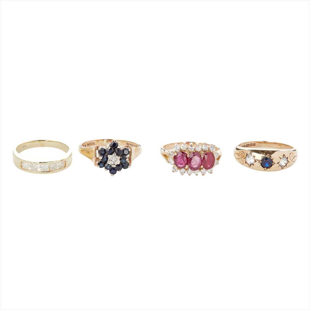 Lot 125 - A collection of gem set rings