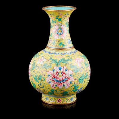 Lot 60 - RARE IMPERIAL PAINTED ENAMEL YELLOW-GROUND 'LOTUS' VASE