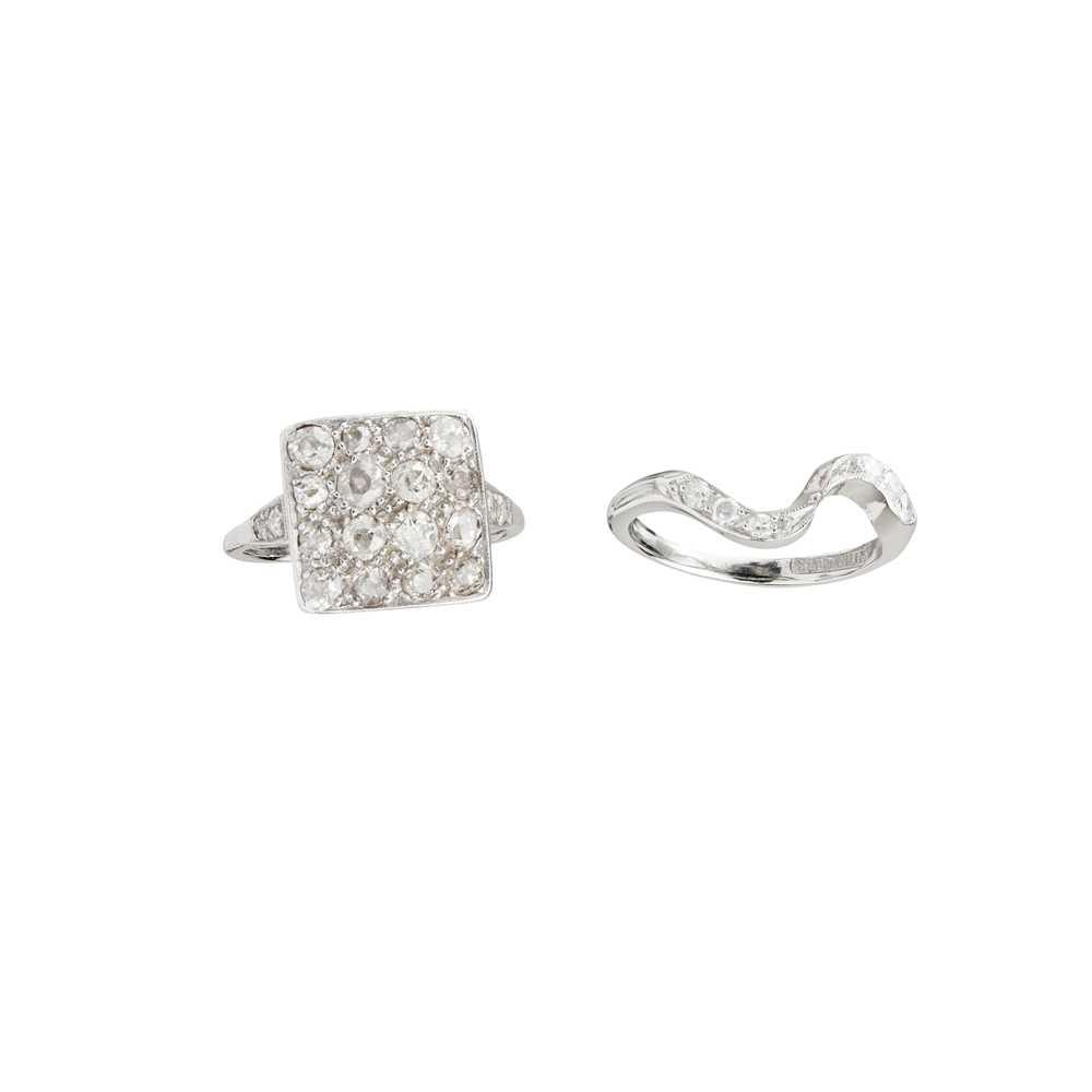 Lot 39 - Two diamond set rings
