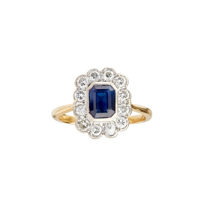 Lot 40-A sapphire and diamond set cluster ring