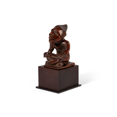 Lot 26-YOMBE MATERNITY FIGURE, PHEMBA