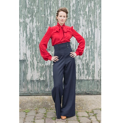 Lot 33 - MADE TO MEASURE TOP OR BLOUSE BY TOTTY ROCKS
