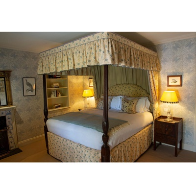 Lot 17-DINNER AND TWO NIGHTS GETAWAY AT LOCH LOMOND ARMS HOTEL