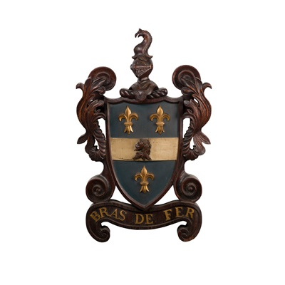 Lot 53 - CARVED AND PAINTED WOOD ARMORIAL PLAQUE