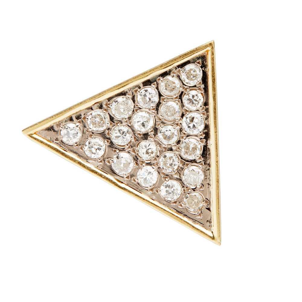Lot 10-A diamond set brooch