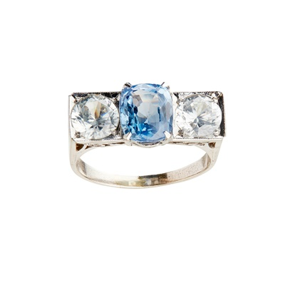 Lot 31-A blue and colourless sapphire set ring