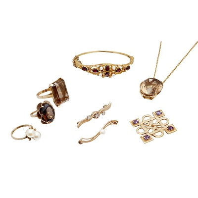 Lot 131 - A collection of gem set jewellery