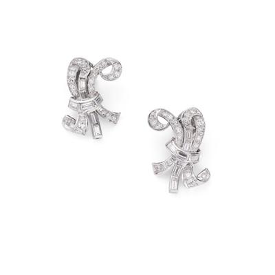 Lot 61 - A pair of diamond earrings