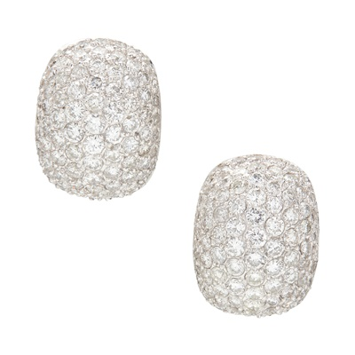 Lot 119 - A pair of diamond set earrings
