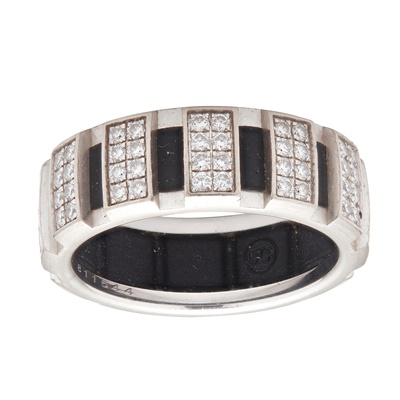 Lot 126 - A diamond set 'Class One' ring, Chaumet