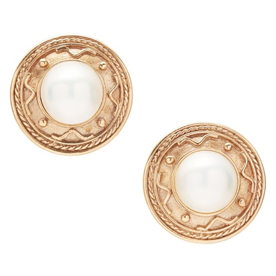 Lot 12-A pair of mabé pearl earrings