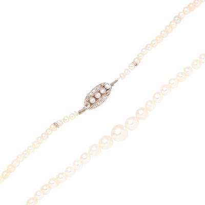 Lot 56 - A natural saltwater pearl necklace