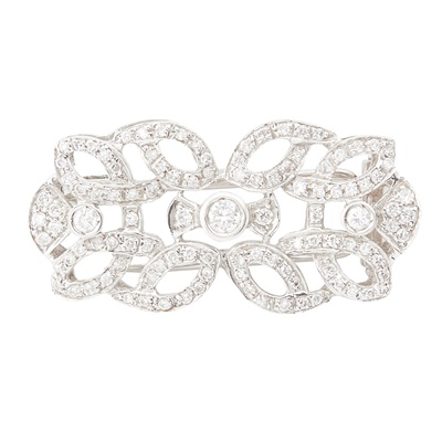 Lot 37 - A diamond set brooch