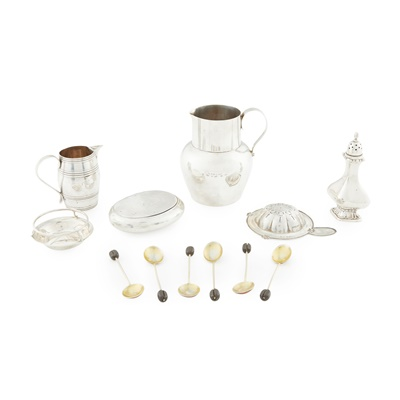 Lot 449 - A collection of silver