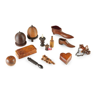 Lot 71 - GROUP OF SMALL TREEN OBJECTS