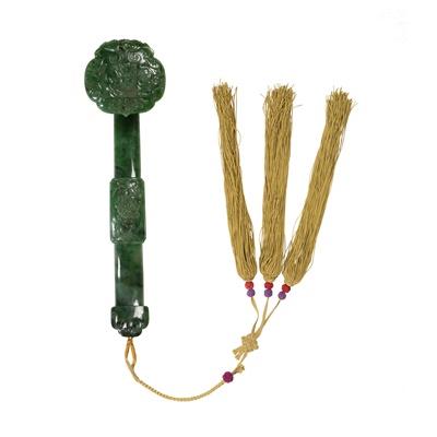Lot 100 - SPINACH-GREEN JADE RUYI SCEPTRE