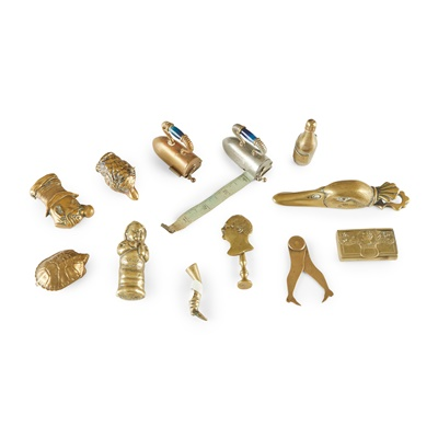 Lot 59 - COLLECTION OF BRASS AND OTHER METAL NOVELTY WARES