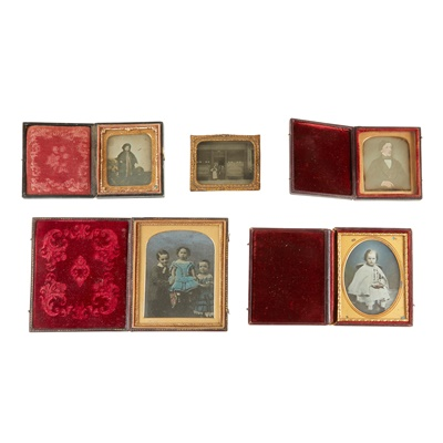 Lot 22 - GROUP OF EARLY PHOTOGRAPHS