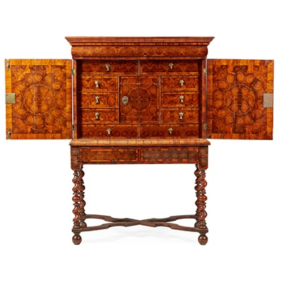 Lot 16 - WILLIAM AND MARY WALNUT OYSTER VENEERED CABINET-ON-STAND