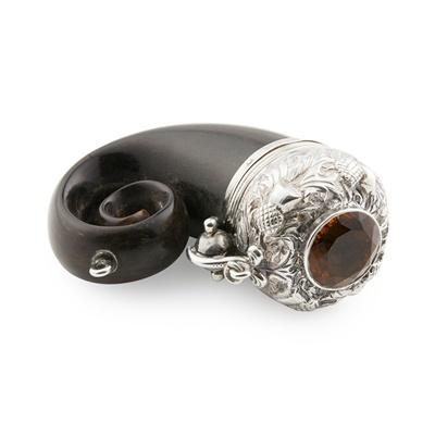 Lot 480 - A miniature ram's horn vinaigrette