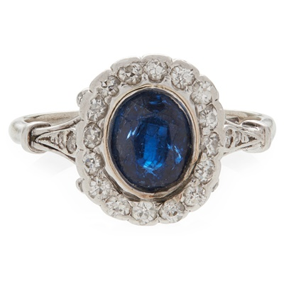 Lot 14-A sapphire and diamond set cluster ring