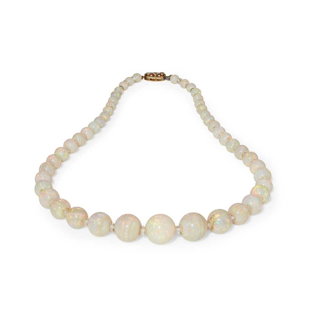 Lot 36 - An opal and rock-crystal bead necklace