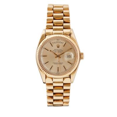 Lot 353 - A gentleman's 18ct gold wristwatch, Rolex