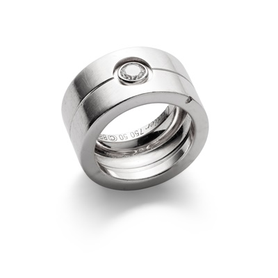 Lot 36 - A diamond-set  ring, by Cartier