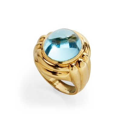 Lot 52 - A blue topaz set cocktail ring
