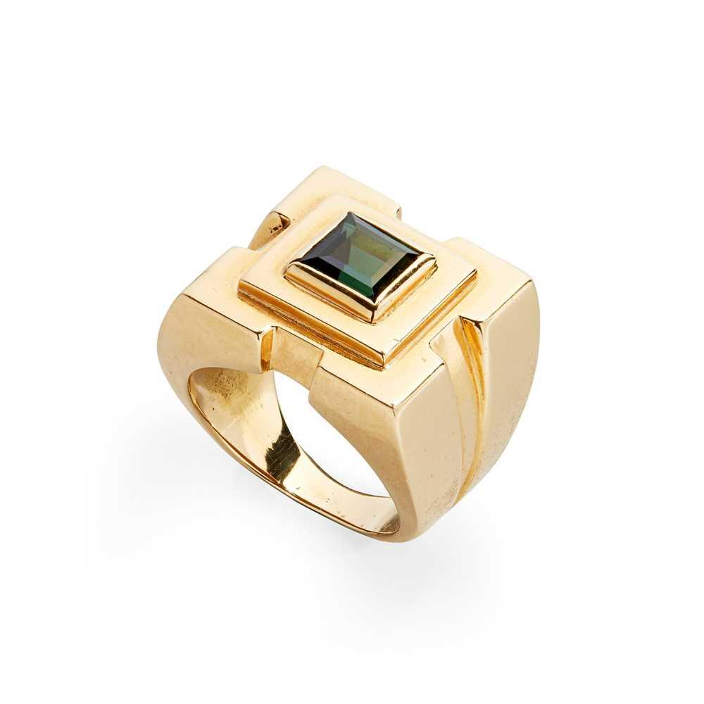 Lot 49 - A green tourmaline ring, Badou