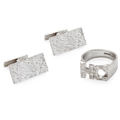 Lot 32 - A pair of 1970s 18ct white gold cufflinks