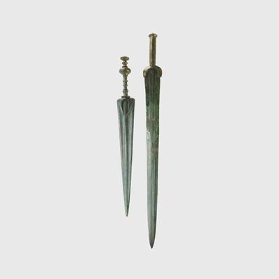Lot 46 - NEAR EASTERN DAGGER AND SWORD