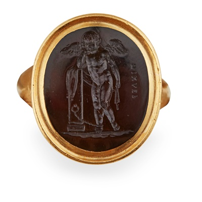 Lot 111 - An early 19th century sardonyx intaglio ring