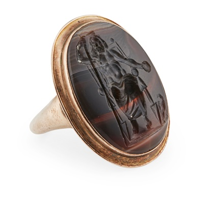Lot 112 - A late 18th/early 19th century gold mounted banded agate intaglio ring