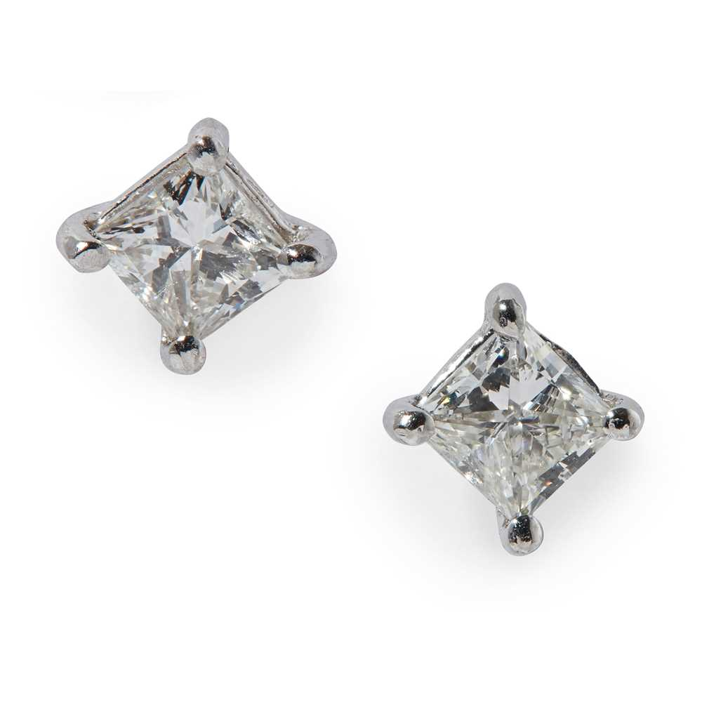 Lot 63 - A pair of diamond stud earrings