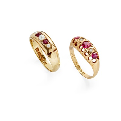 Lot 8 - An 18ct gold ruby and pearl set ring