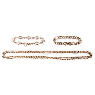 Lot 124 - An opal bracelet