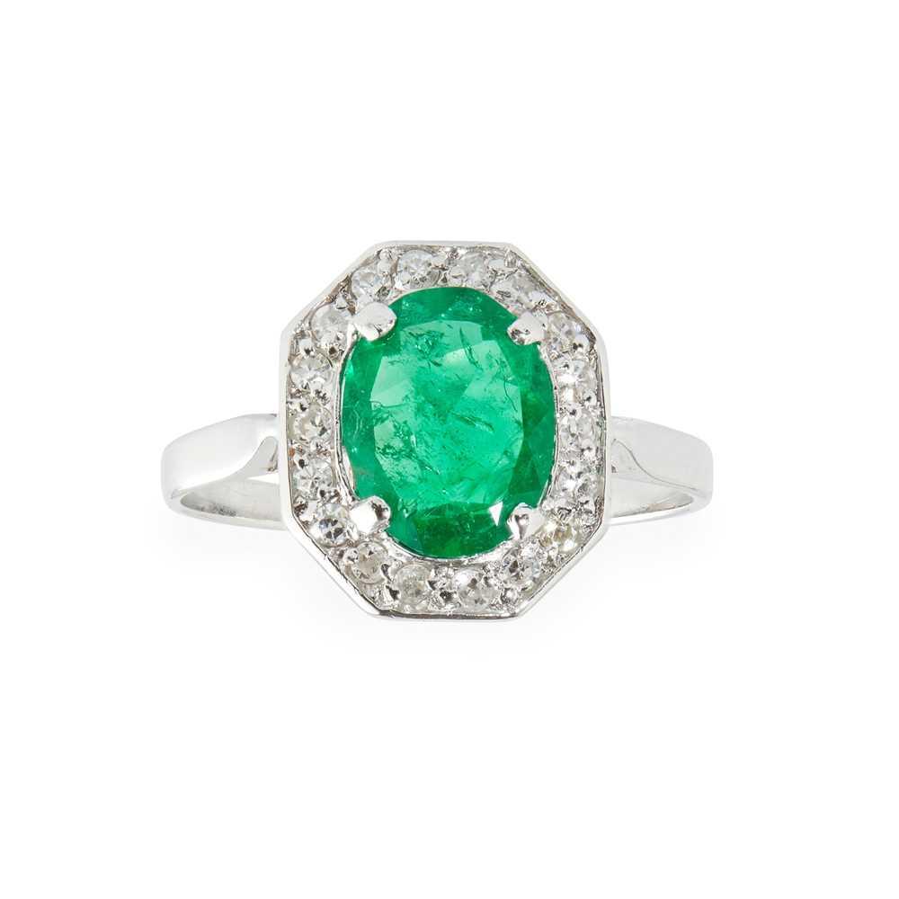 Lot 66 - An emerald and diamond set ring