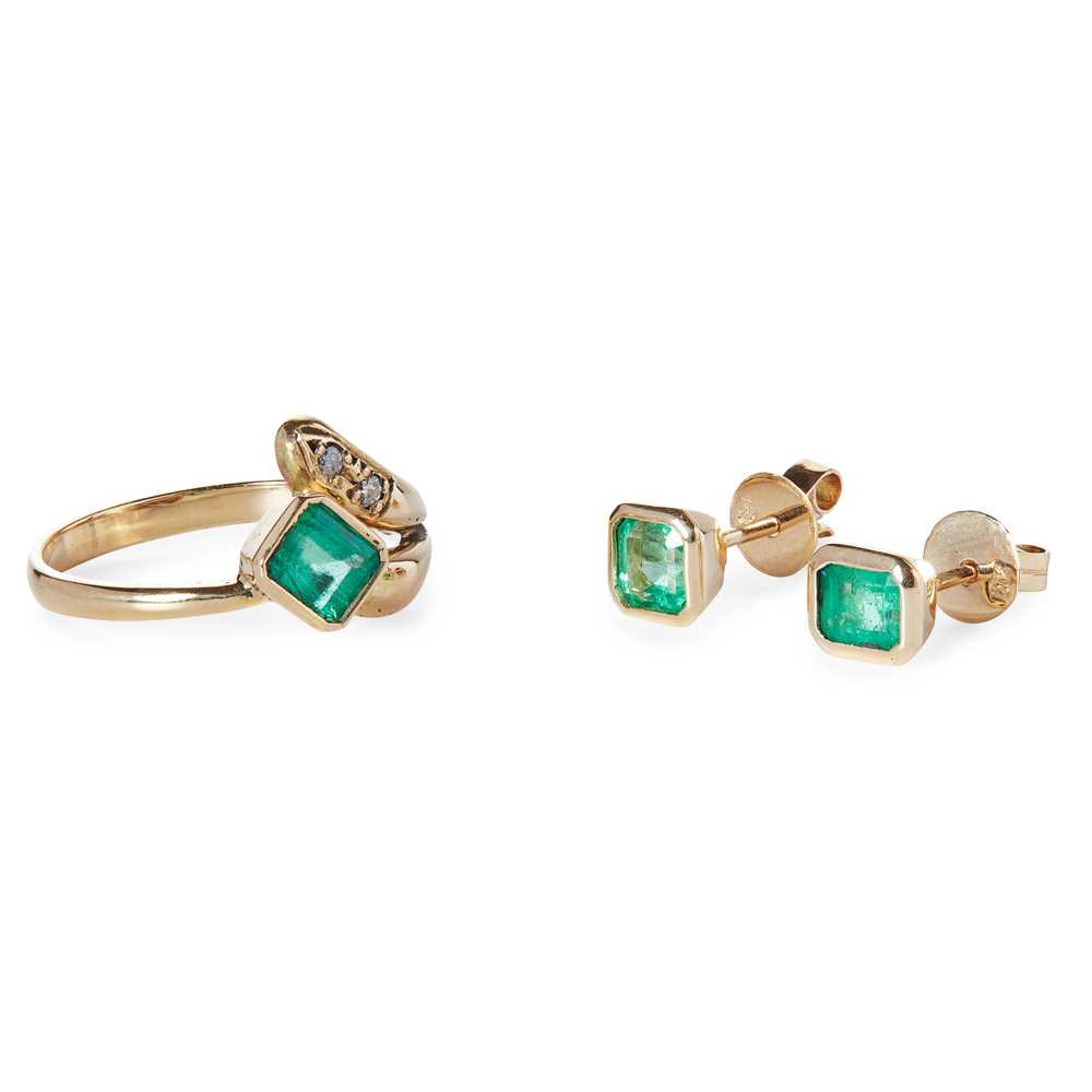 Lot 89 - An emerald and diamond set ring and matching earrings