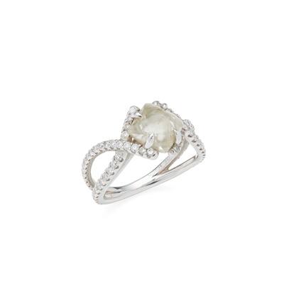 Lot 60 - A rough diamond set ring