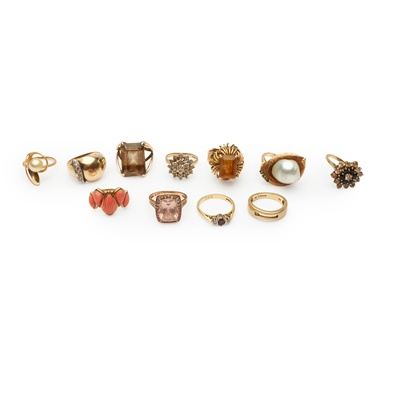 Lot 170 - A collection of eleven gold and gem-set rings