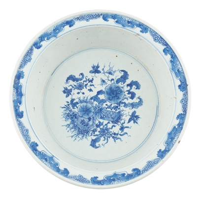 Lot 170 - BLUE AND WHITE 'FLOWER' BASIN
